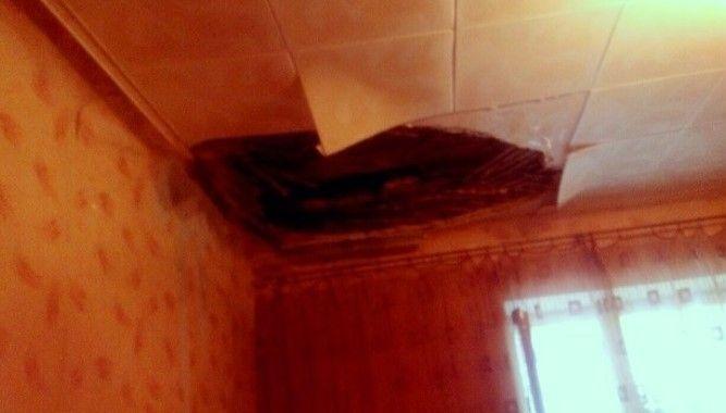 В Красноооктябрьском районе Волгограда в одной из квартир обвалилась часть потолка