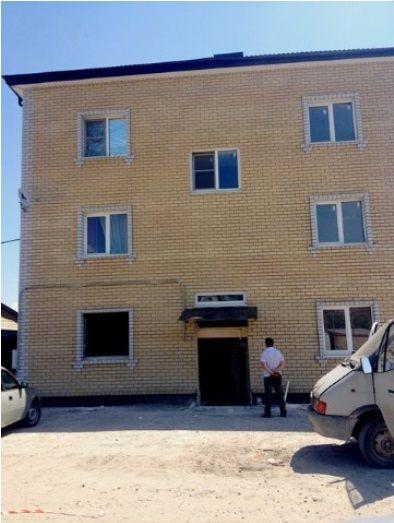 Снос незаконной многоэтажки в Кировском районе приостановили на 10 дней