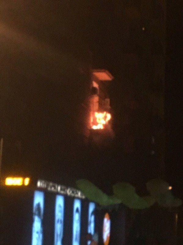 В многоэтажке на Аллее Героев сгорел балкон
