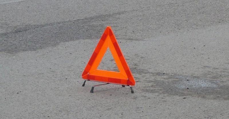 В Волгоградской области иномарка столкнулась на встречке с фурой: пострадали трое человек