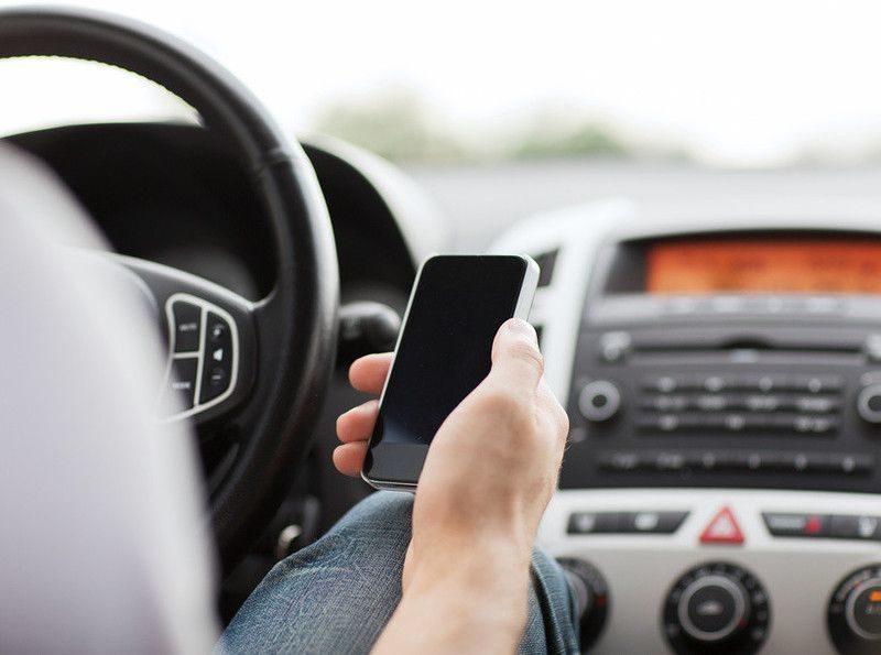 Павлик Морозов 2.0: Владельцы смартфонов смогут отправлять в ГИБДД видеоролики