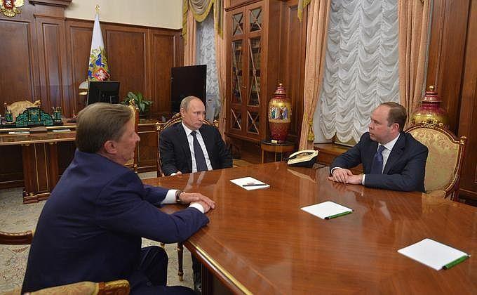 Владимир Путин уволил главу кремлевской администрации Сергея Иванова