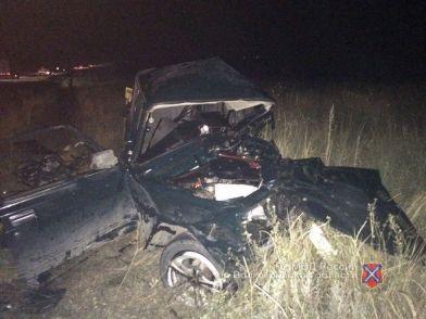 Под Волгоградом произошло страшное ДТП: два человека погибли, пятеро пострадали