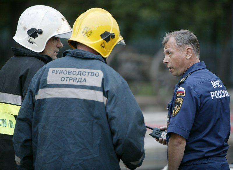 Из пожара в общежитии Минобороны в Москве спасли двух детей