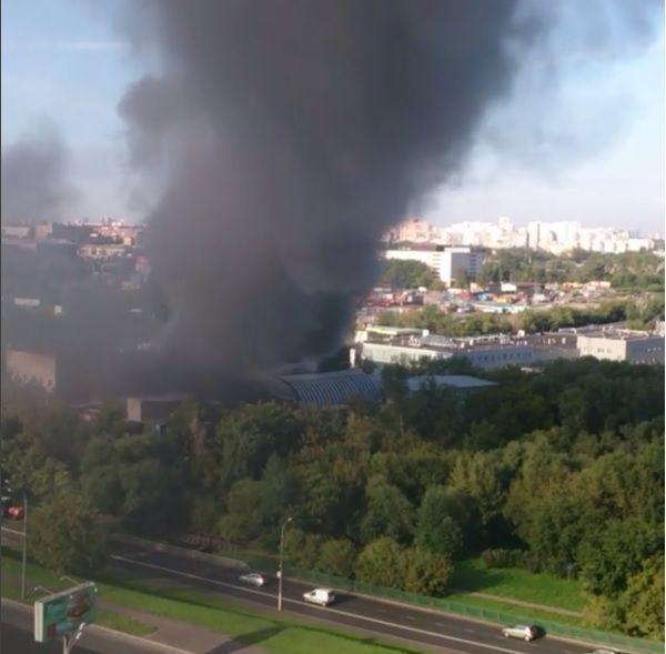 В пожаре на складе типографии в Москве погибли 16 человек