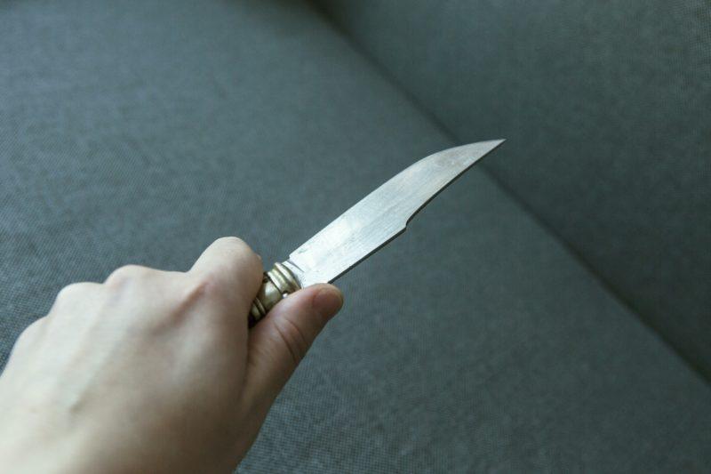 Полицейские задержали злоумышленника, гулявшего с ножом в Волжском