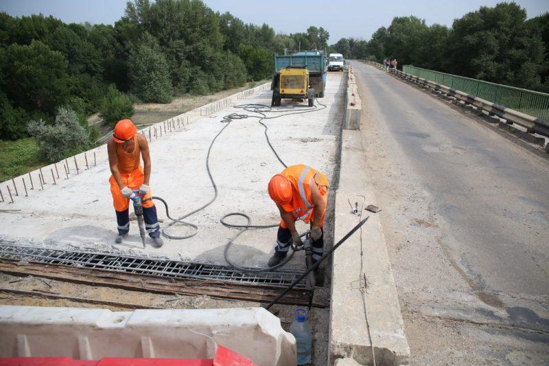 В Волгограде власти снова взялись за четырехлетний ремонт ахтубинского моста