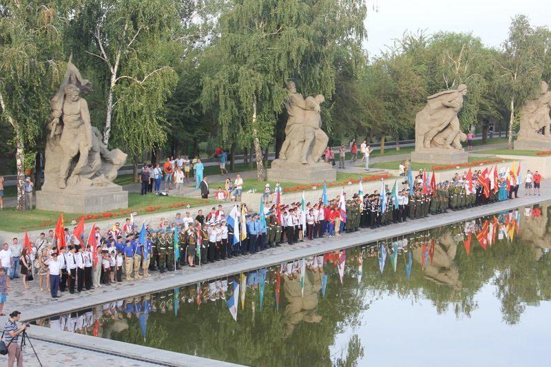 На Мамаевом Кургане состоялось открытие Всероссийской военно-спортивной игры «Победа»