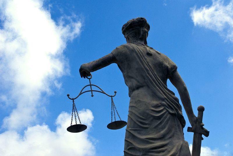 Адвокат отработает 360 часов за подкуп свидетеля