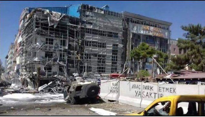 В турецком городе Ван прогремел мощный взрыв