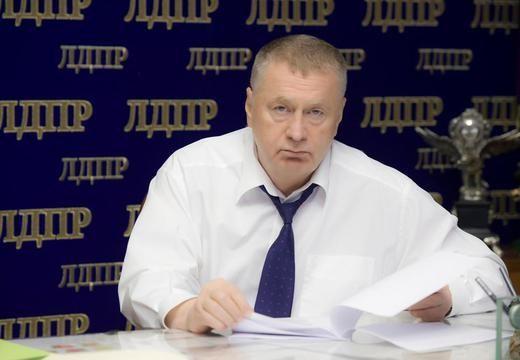 Жириновский предложил президенту России перенести начало учебного года