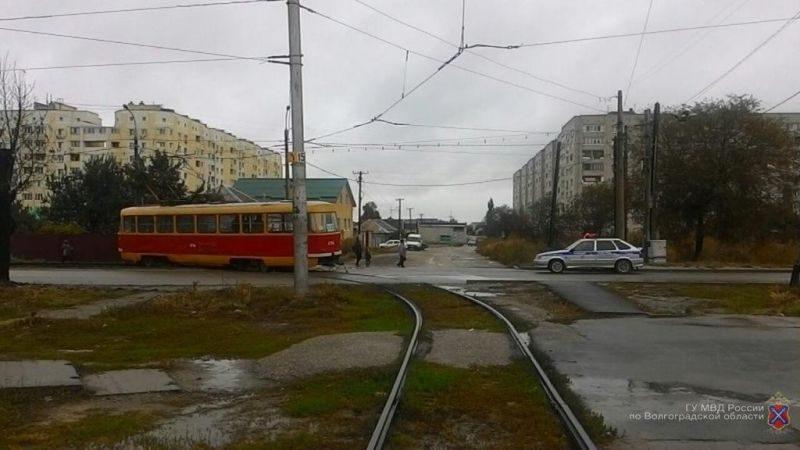 В Краснооктябрьском районе волгоградка получила травмы в трамвае