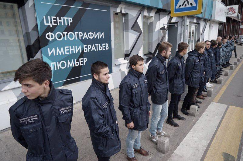 В Москве закрылась фотовыставка с обнаженными девочками