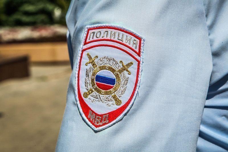 В Волгограде двух школьников, делающих «закладку» наркотиков, задержали с поличным