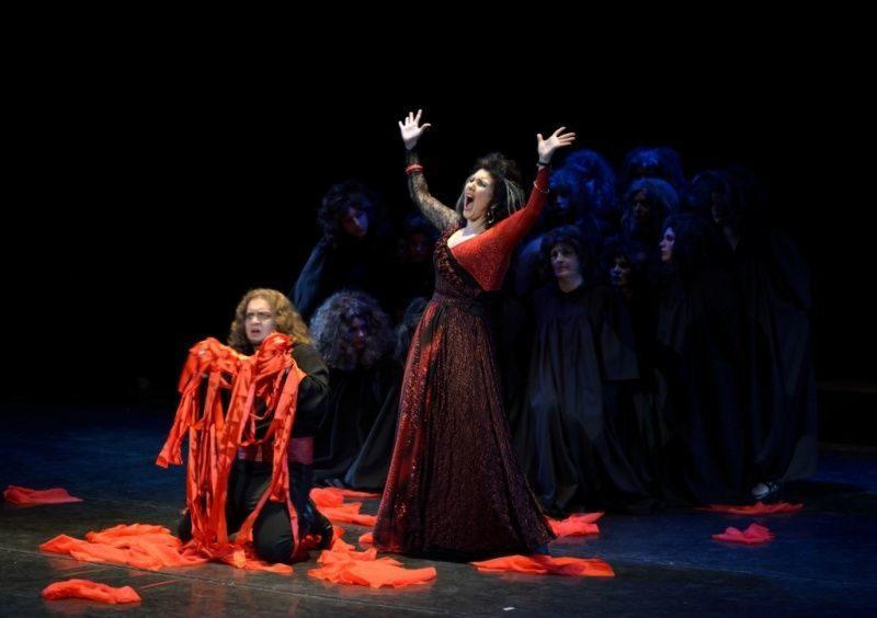 Волгоградские оперные певцы споют «Травиату» в ТРЦ города