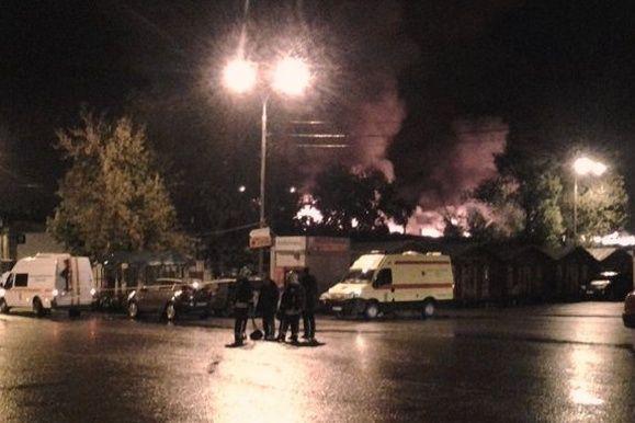 На сгоревшем складе в Москве обнаружены тела восьми пожарных