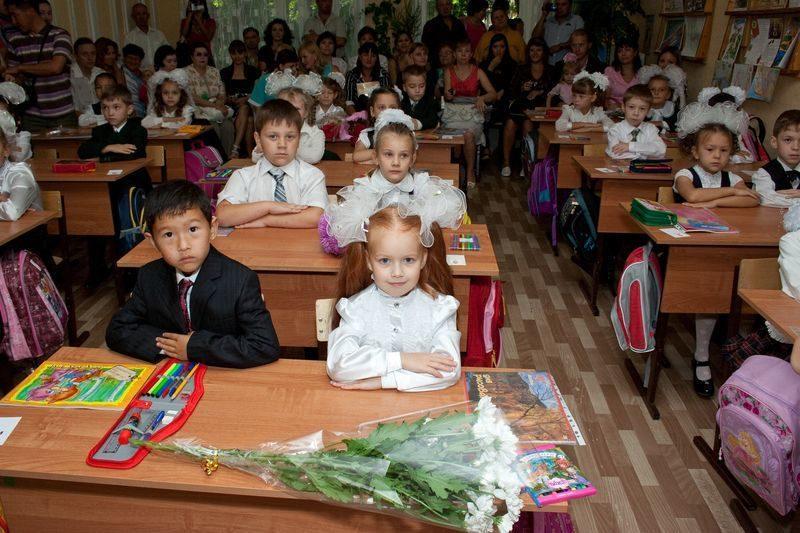 В Волгоградской области прошли линейки для 240 тысяч школьников