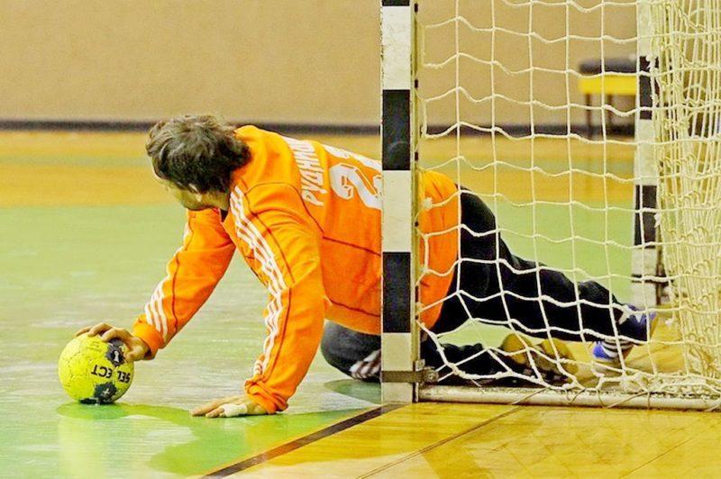Волгоградский «Каустик» проиграл в стартовом матче