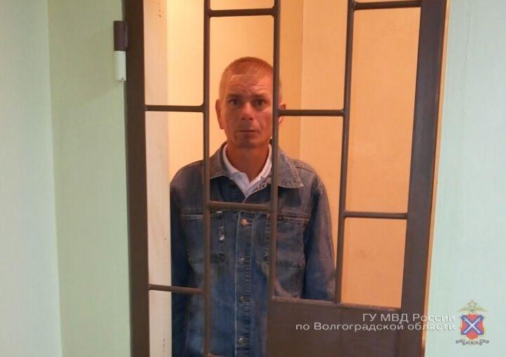 Житель волгоградской области ограбил церковную лавку ради подарка жене