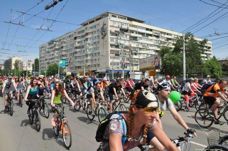 Более 700 волгоградцев приняли участие в велопараде