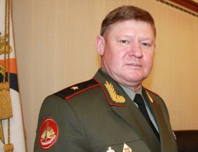 Сердюков официально назначен новым командующим ВДВ России