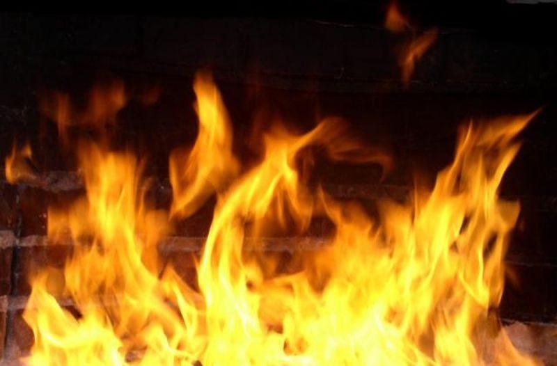 При пожаре мусорной свалки в овраге погиб мужчина