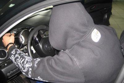 Волгоградский школьник угнал автомобиль