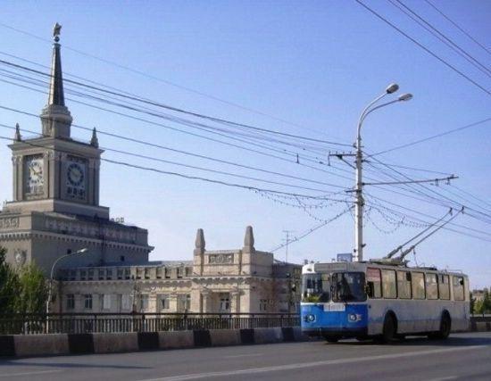 В Волгограде на 2,5 месяца перекроют движение под Комсомольским мостом