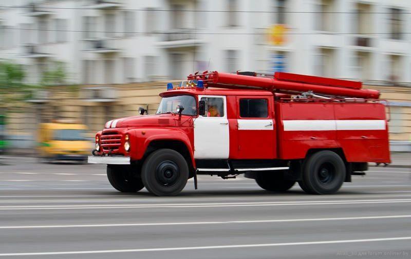 На юге Волгограда неизвестный поджег трактор