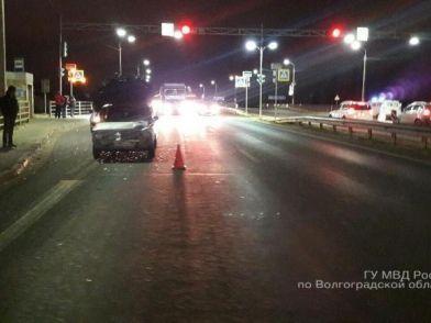 Лихач на «красный» сбил женщину на пешеходном переходе