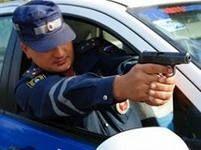 Полицейские применили табельное оружие, чтобы задержать пьяного мотоциклиста