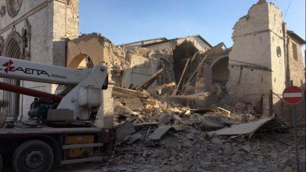 Италию сотрясло землетрясение магнитудой 7,1