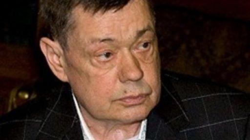 Актёр Николай Караченцов попал в больницу после падения с кровати