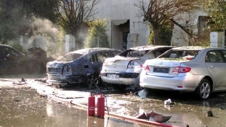 Ростуризм после взрыва в Анталье рекомендует россиянам не покидать отели