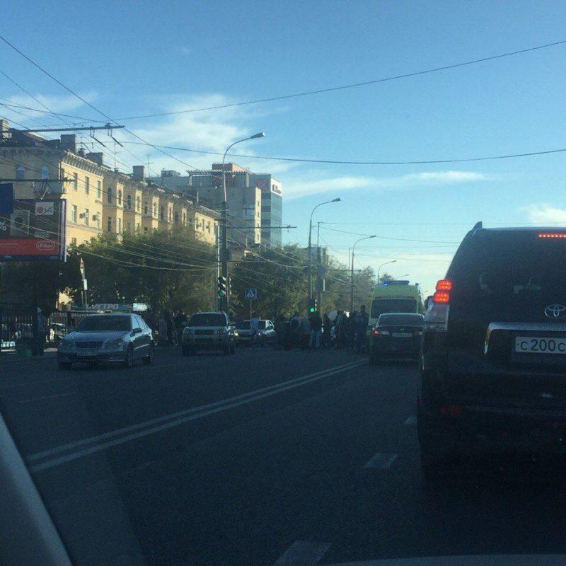 В Волгограде иномарка сбила двух подростков