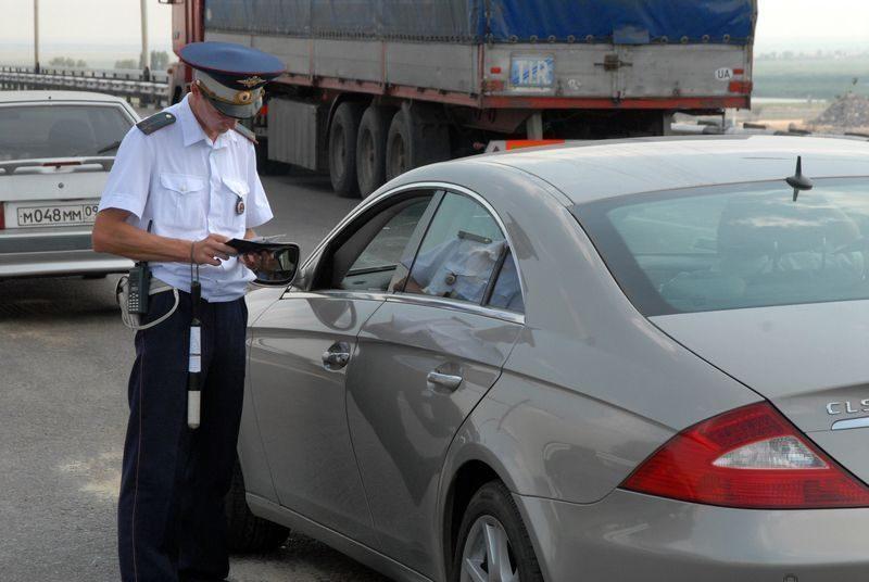 Должника высадили из собственного авто прямо на дороге