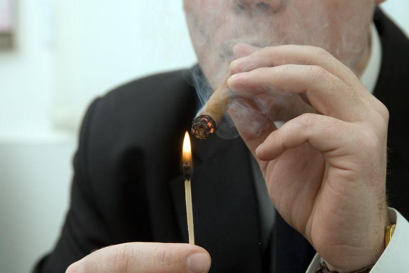 Большинство работников волгоградских компаний оказались курящими