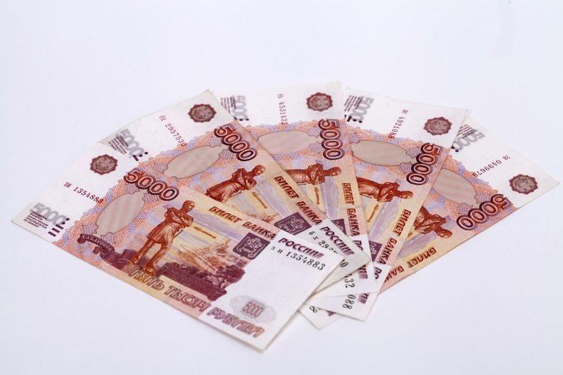 Двое граждан Армении отправятся в колонию за сбыт фальшивых купюр в Волгограде