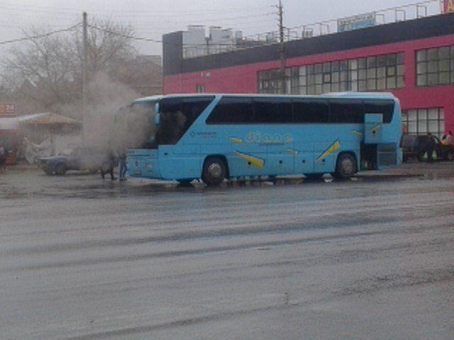 В Волжском загорелся рейсовый междугородний автобус