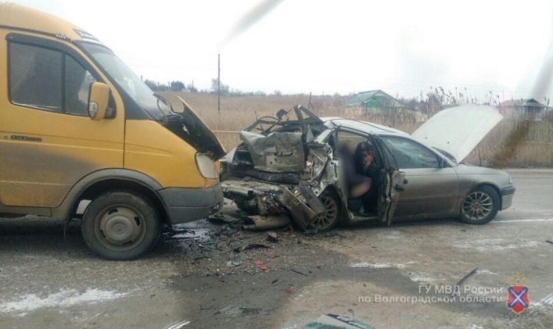 Иномарка столкнулась с автобусом: погиб мужчина