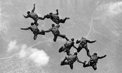 На Кубани пропали три десантника после прыжка с парашютом