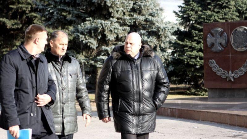 Махонов в Волгограде встретился с Бочаровым