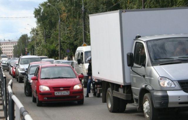 В Волгограде закрыли для проезда улицу Толбухина