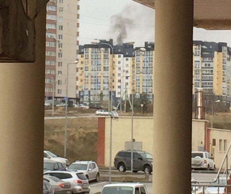 В Волгограде загорелась высотка возле ТЦ Комсомолла