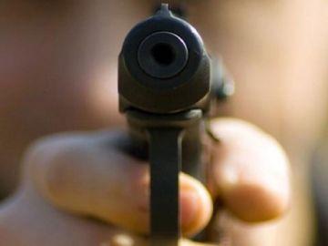 Сын депутата устроил стрельбу в школе, трое ранены