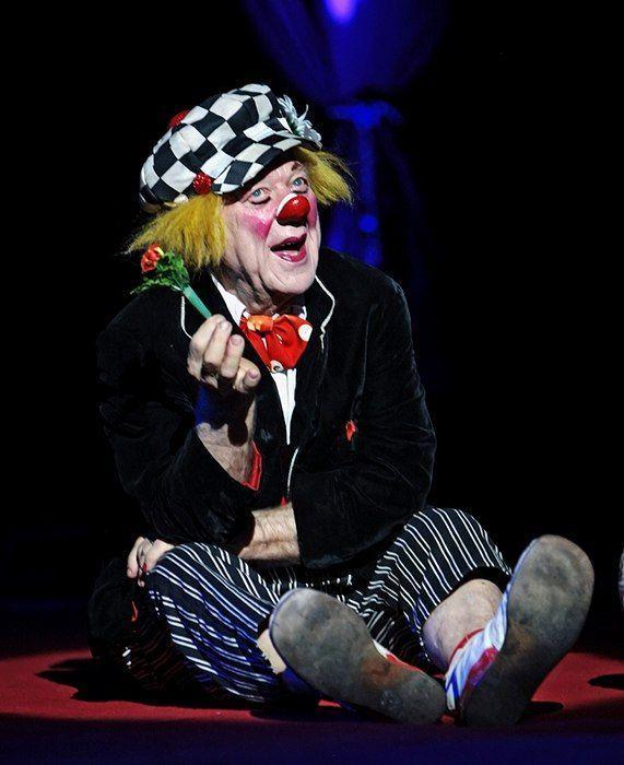 На гастролях в Ростове-на-Дону на 87-м году жизни скончался клоун Олег Попов