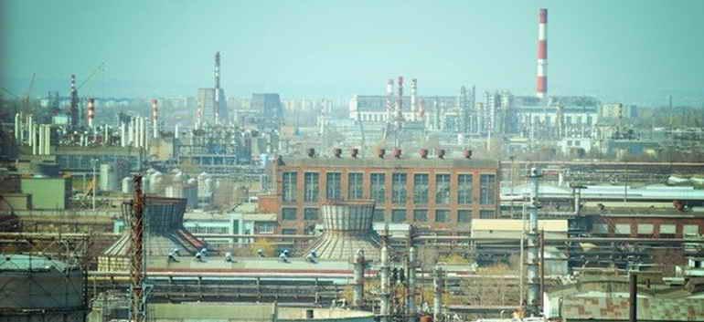 "В Волгограде при пожаре на заводе ""Каустик"" пострадали четыре человека"