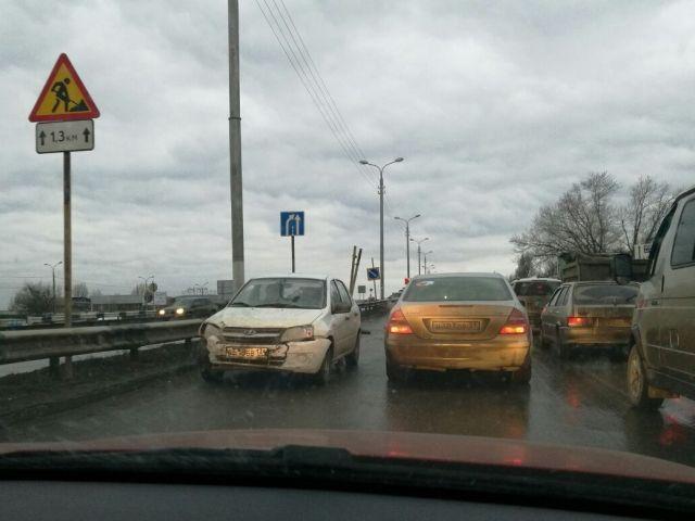В Волгограде ДТП стало причиной огромной пробки на Третьей Продольной