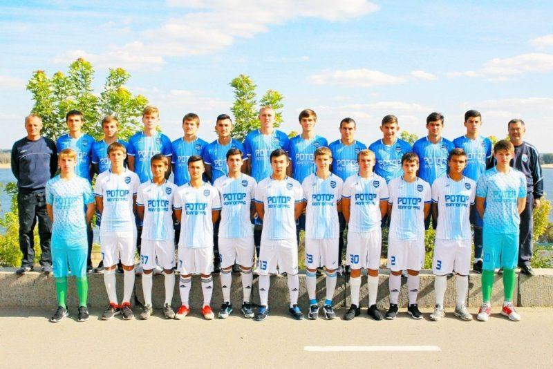 Молодые футболисты «Ротора» получили звание КМС