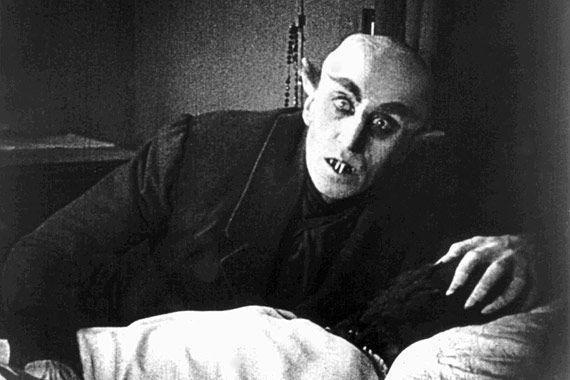 Мужчина вонзил осиновый кол в глаз соседу-«вампиру»